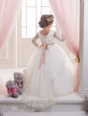 Детское платье модель 1090