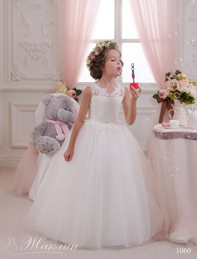 Детское платье модель 1060