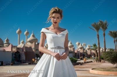 Свадебное платье 18-23