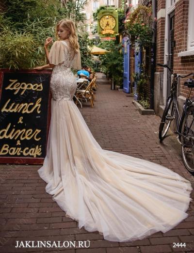 Свадебное платье 2444