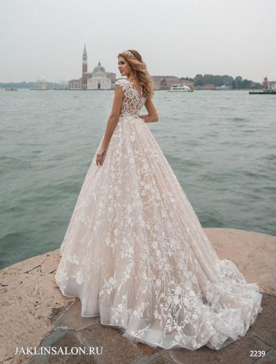 Свадебное платье 2239
